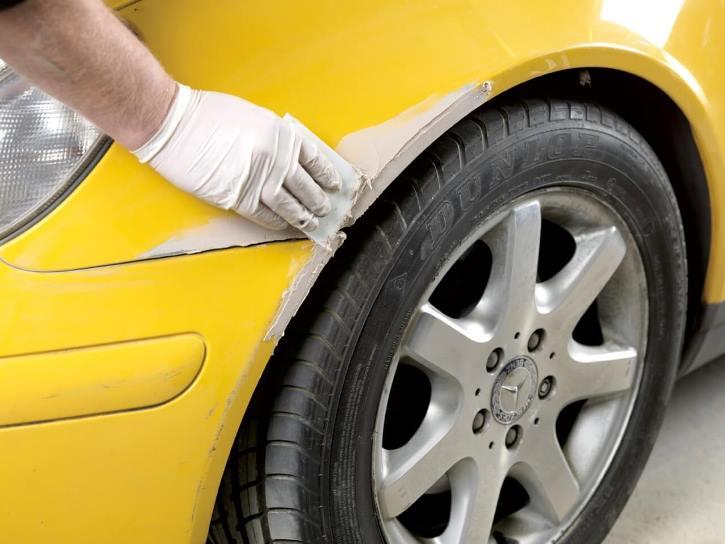 Нанесение шпаклевки на корпус авто